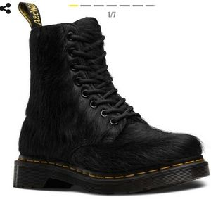Dr. Martens Pony hair lace up boots black 9